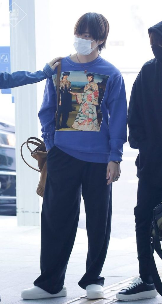 BTS V blue pullover with paintign on it from Gucci