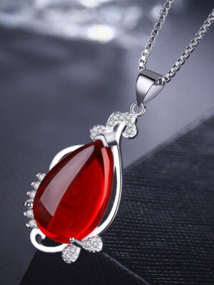 Red Pendant Necklace of V
