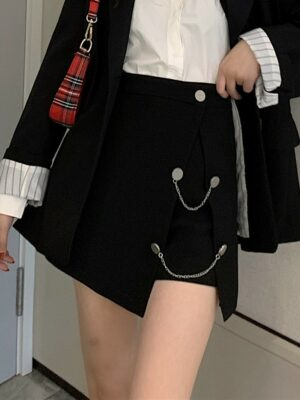 Jennie Black Chic Skirt With Button and Chain (11)