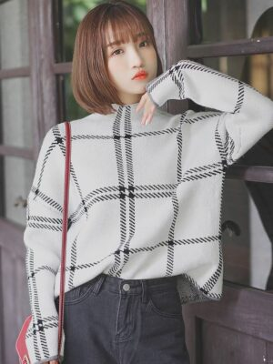 Light Plaid patterned Sweater (1)