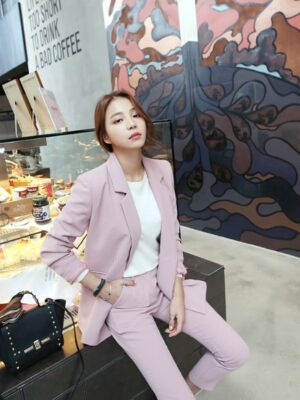 1 Mamamoo Moonbyul – Pink Casual Suit Jacket and Trousers (13)