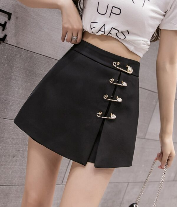Black Mini Skirt With Pins    Chaeyoung- Twice