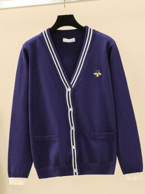 Taeyong – NCT Navy Blue Cardigan With Bee Emroidery (9)