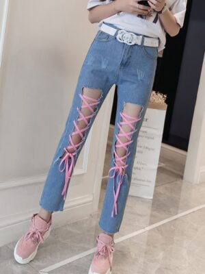 Chung Ha – Front Lace-Up Jeans (20)