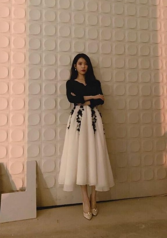 White Skirt With Embroidered Flowers  | IU – Hotel Del Luna