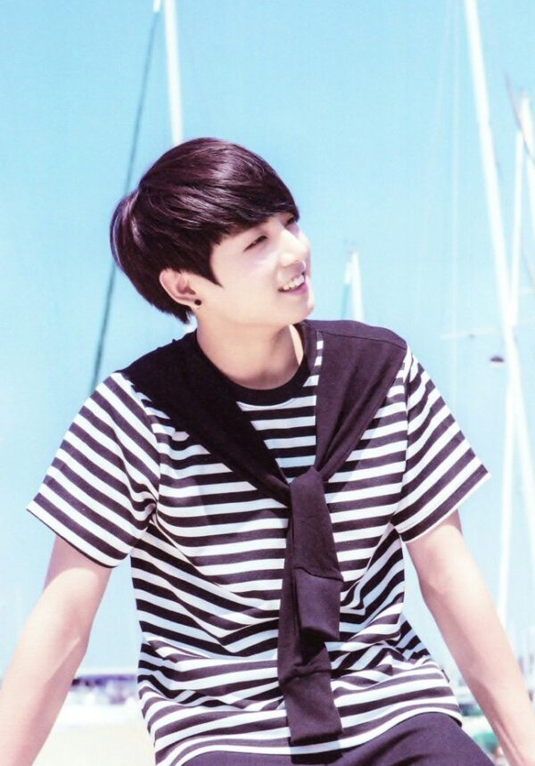 Striped T-shirt With Shawl   Jungkook – BTS