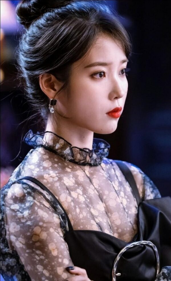 Black See-Through Top With Floral Pattern | IU – Hotel Del Luna