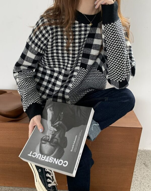 Black And White Checkered Sweater   Jeonghan – Seventeen