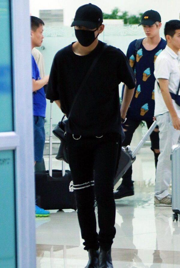 Black Pants With Knee Strap | Taehyung – BTS