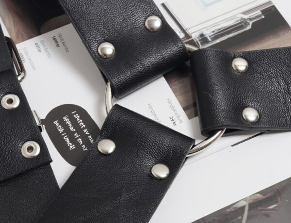 Black Buckle Chest Harness | Mark – NCT