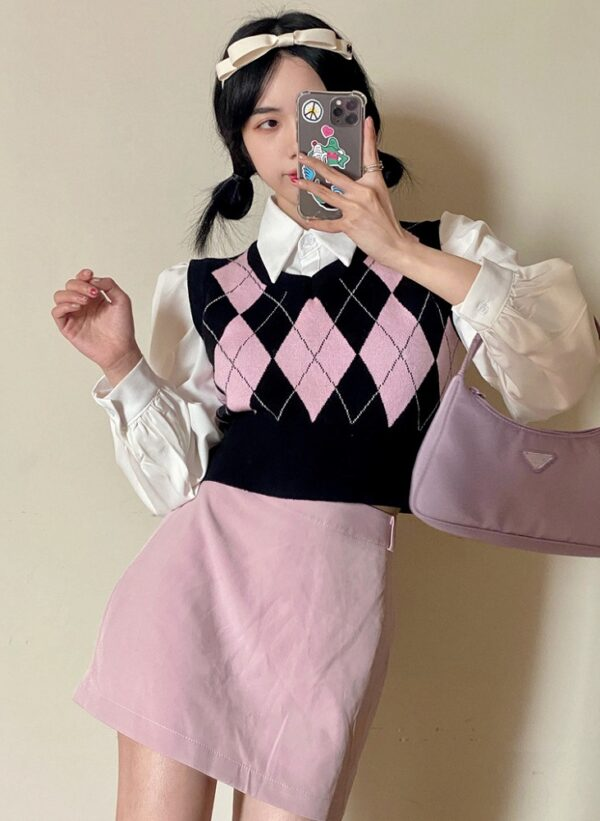 Pink Diamond Patterned Knitted Vest   Miyeon – (G)I-DLE
