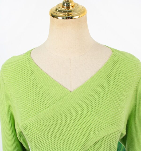 Green Crossed Front Sweater | Joo Seok Kyung – Penthouse
