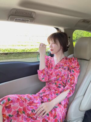 Cheon Seo Jin – Penthouse Floral Puff Sleeve V-Neck Dress (6)