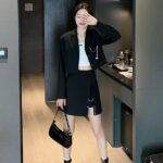 Black Suit Jacket With Butterfly Chain | Yeji – ITZY