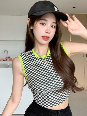 Lisa – BlackPink Black And White Checkered Top (10)