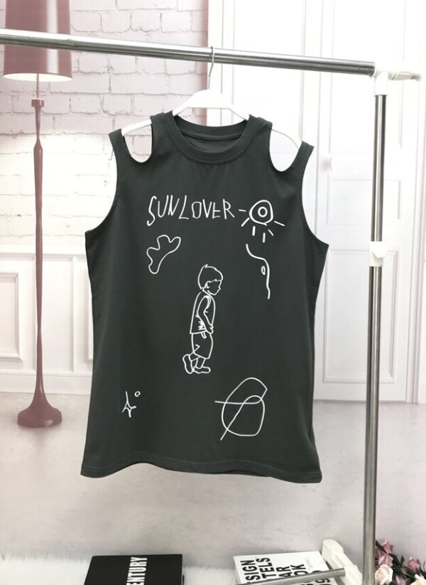 Black Cut-Out Shoulder Graphic Top | Nayeon – Twice