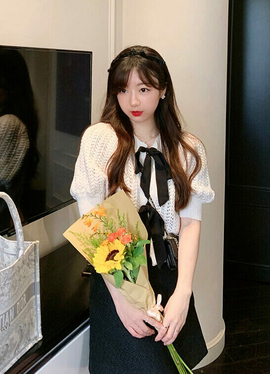 White Bow Knitted Top | Jisoo – BlackPink