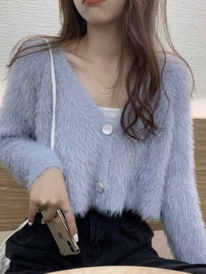 Sihyeon – Everglow Blue Fluffy Cropped Cardigan (11)