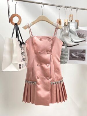Nayeon – Twice Pink Double Breasted Pleated Dress (12)